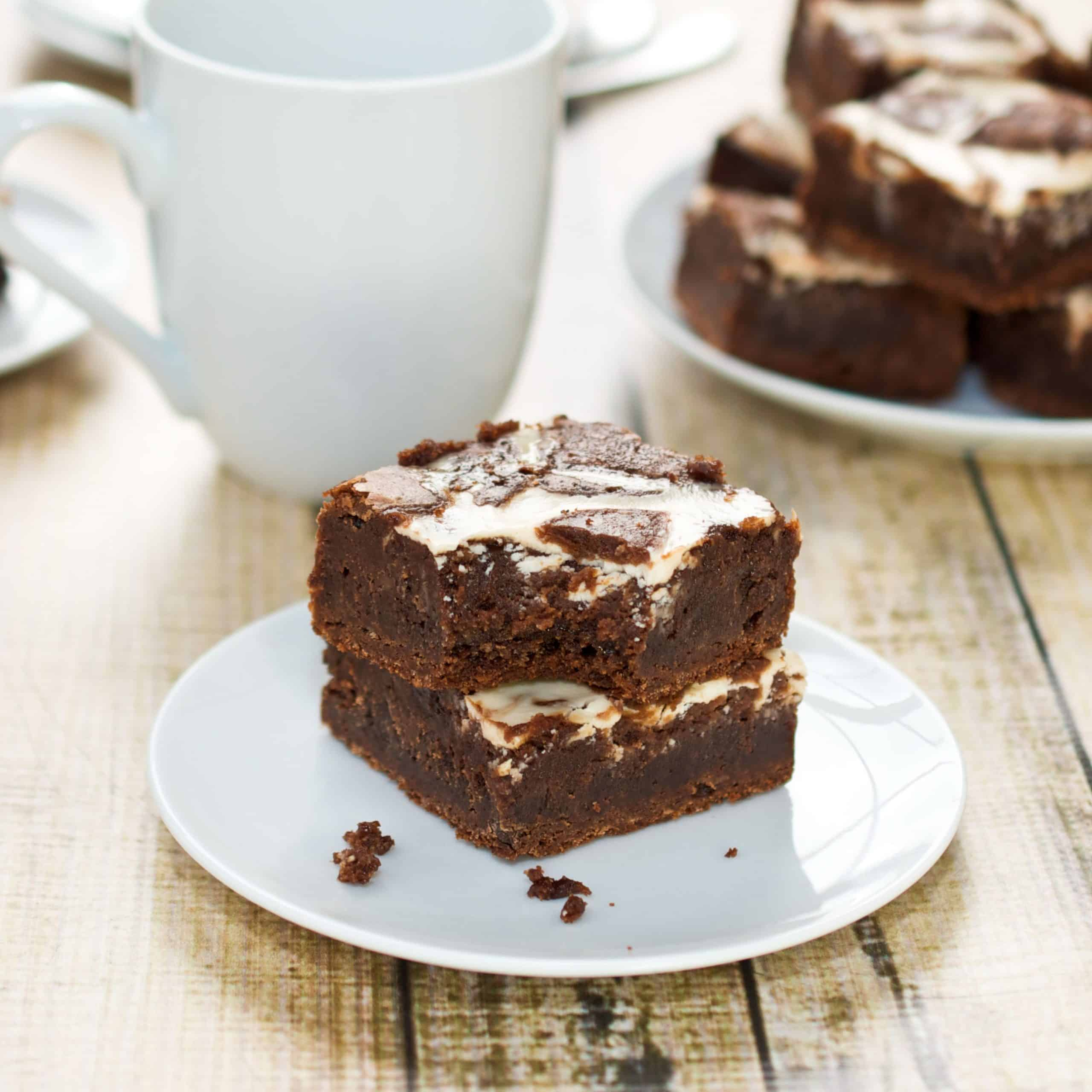 plate with swirl brownies