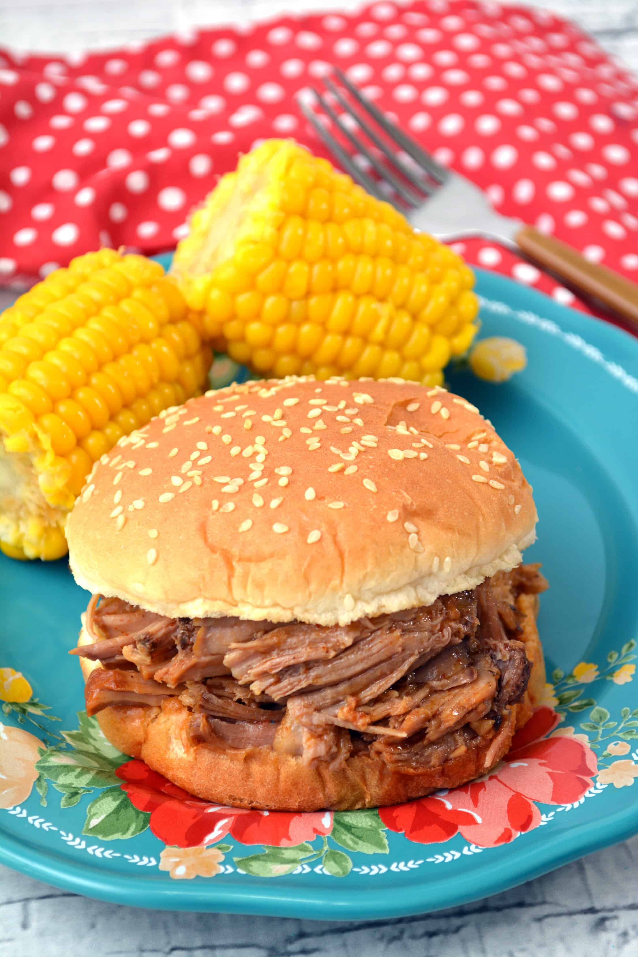 BBQ Pulled Slow Cooked Pork-Sandwiches
