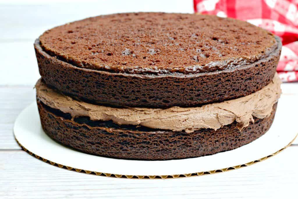 three layer chocolate cake frosting