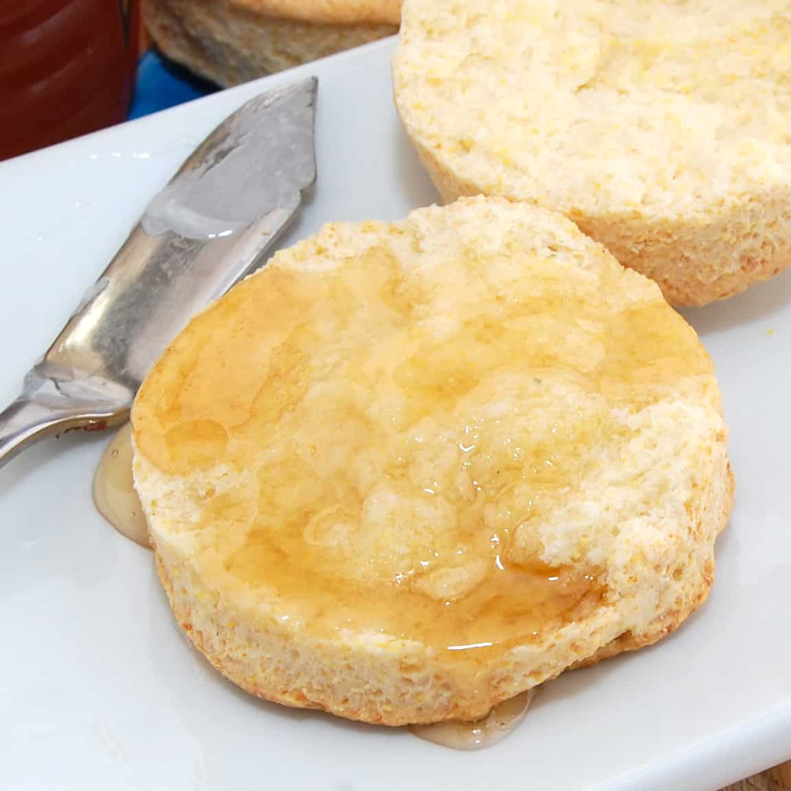 easy buttermilk biscuits with honey