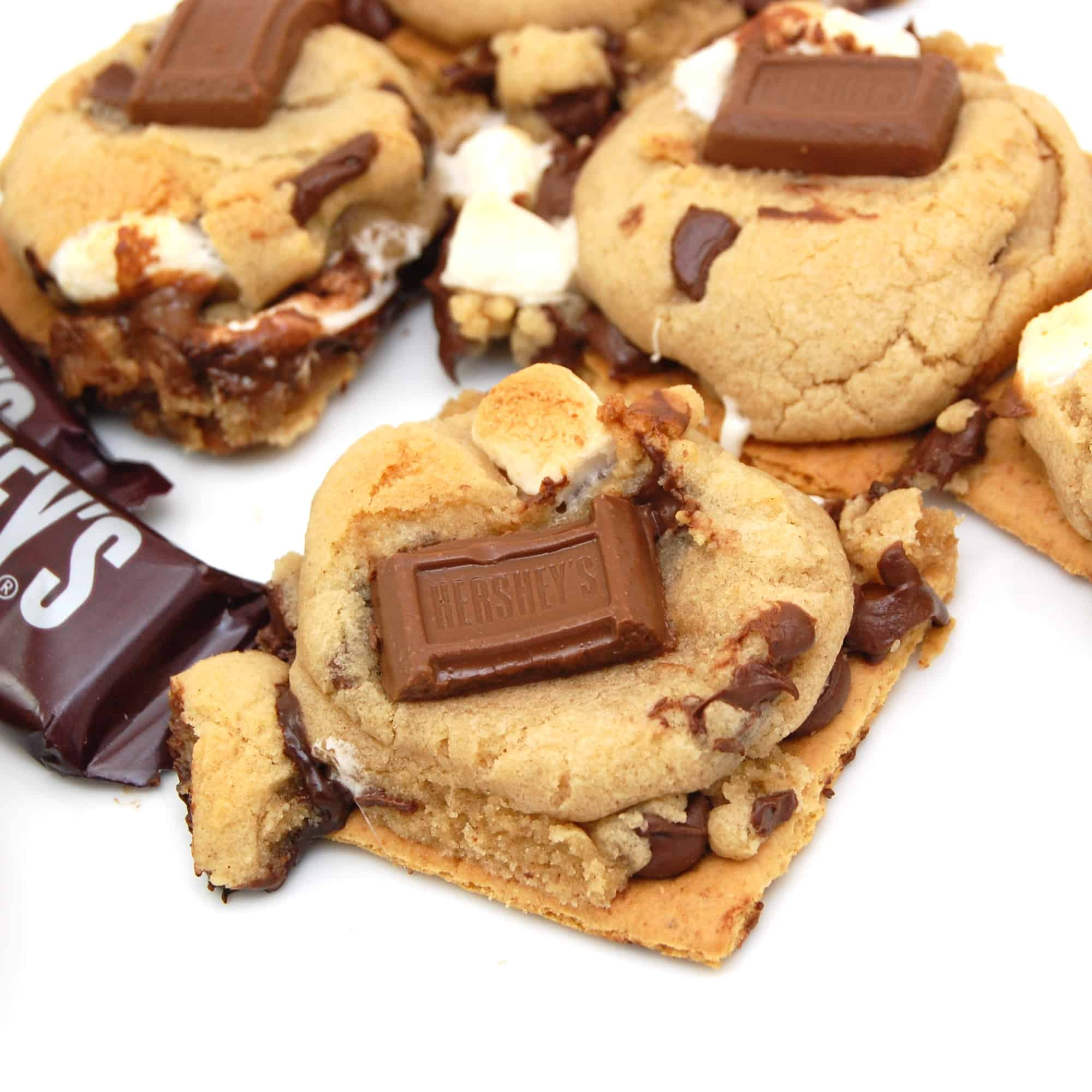 freshly baked s'mores cookies