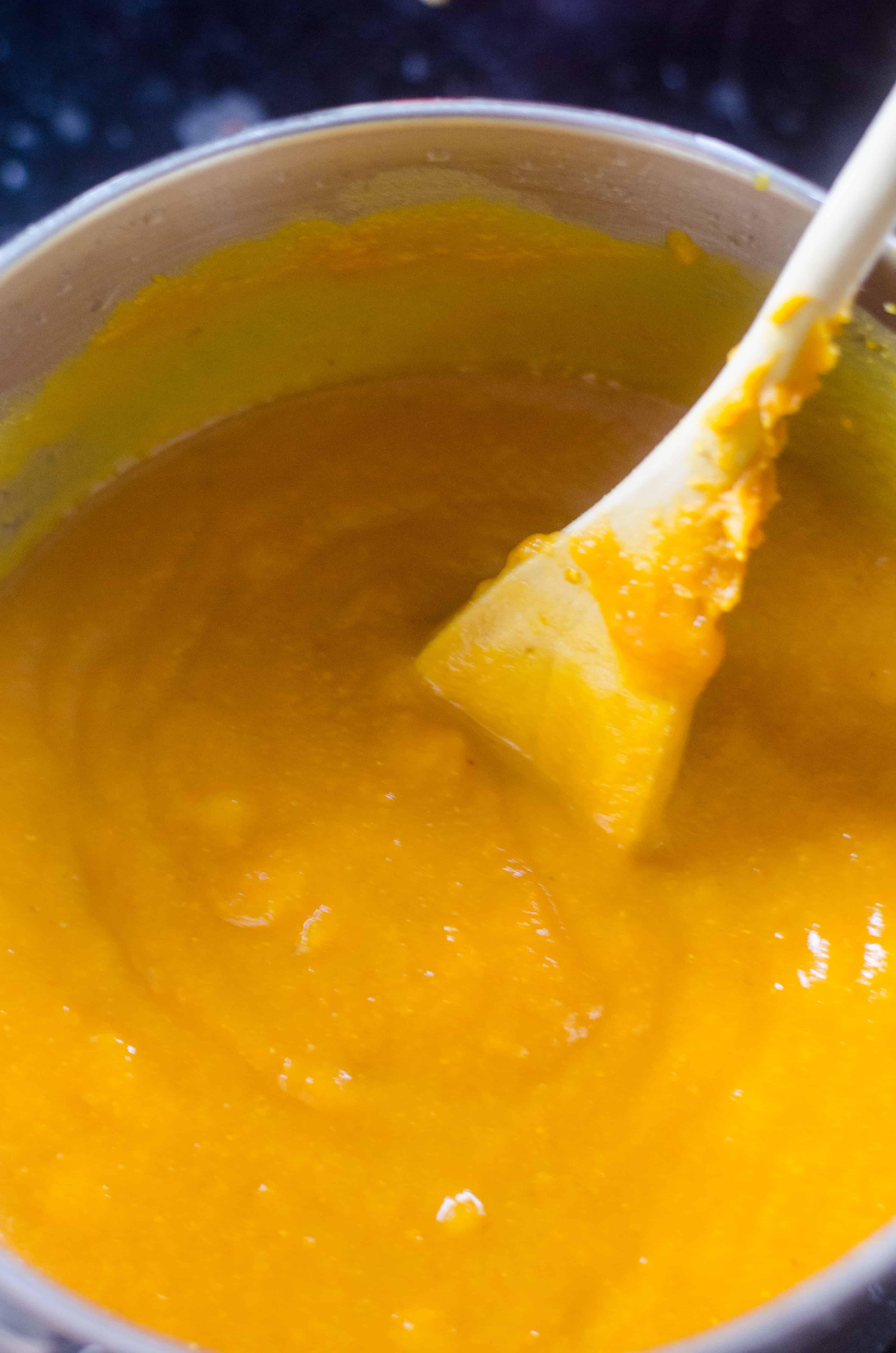 easy pumpkin soup in a pot