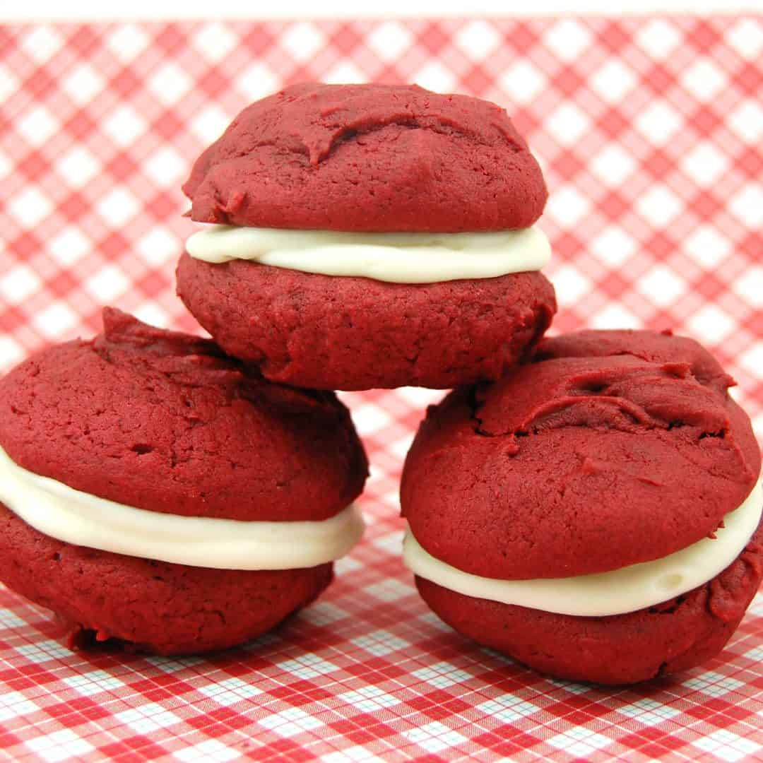 red velvet whoopie pies ready to eat