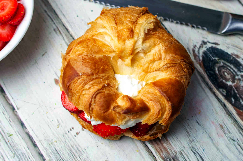 stuffed croissant sanDwich
