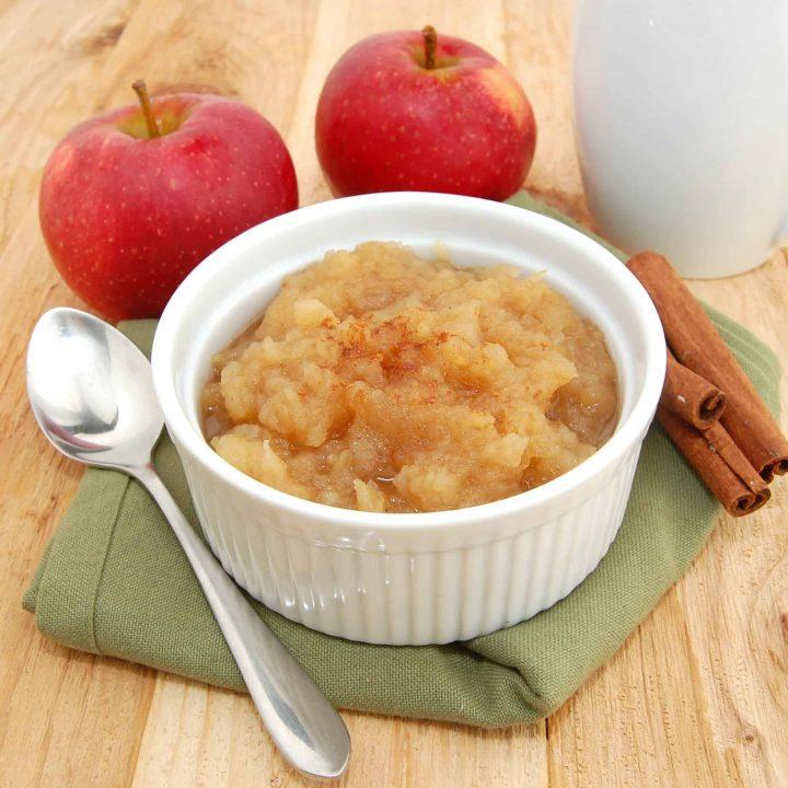 Best Easy Homemade Applesauce Recipe