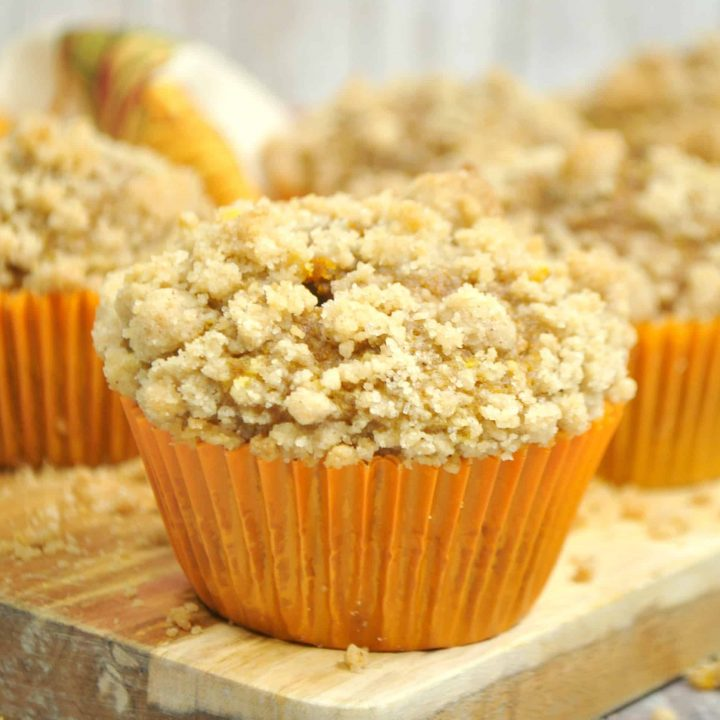 Easy Pumpkin Muffins with Crumb Topping