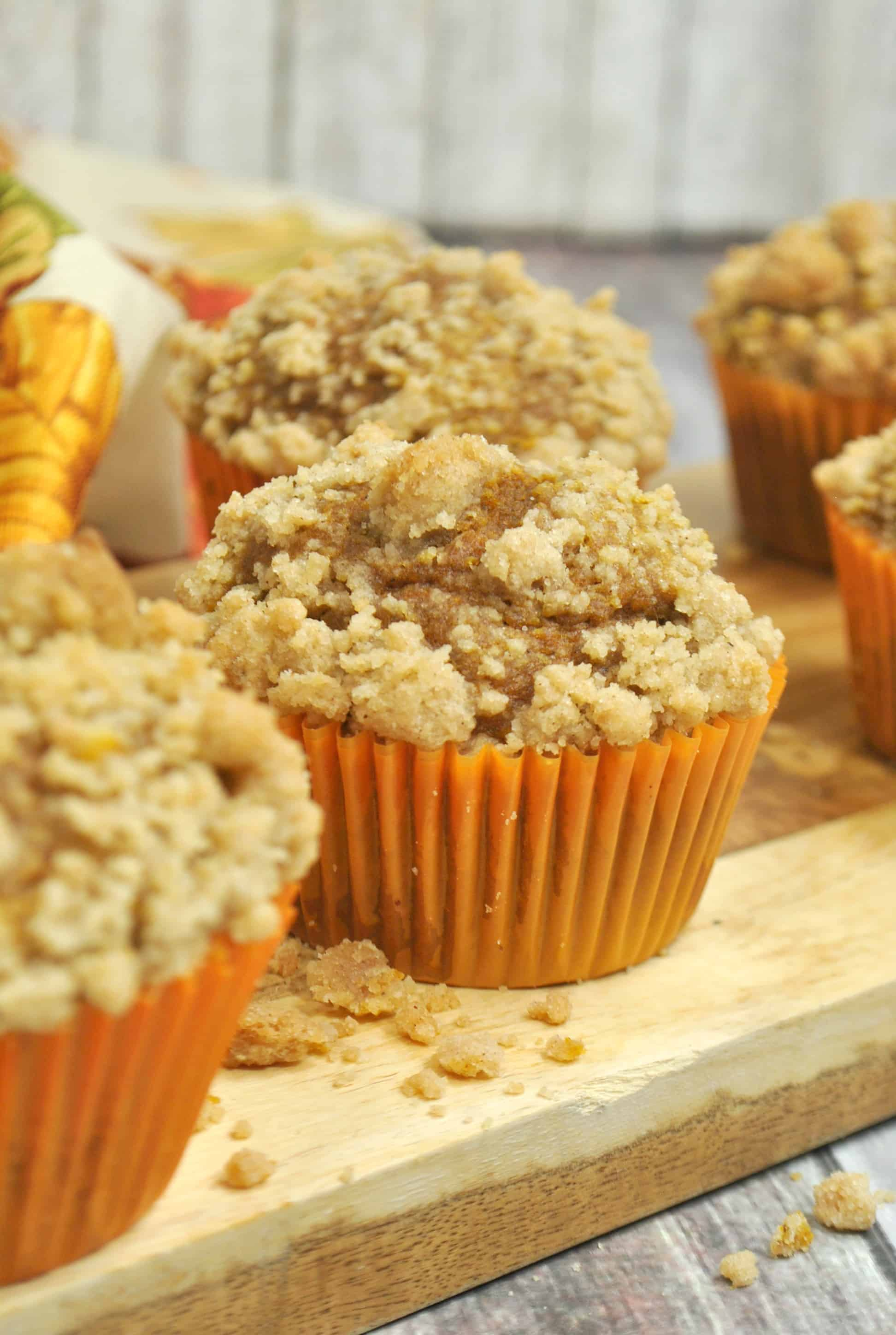 easy pumpkin muffins with a crumb topping