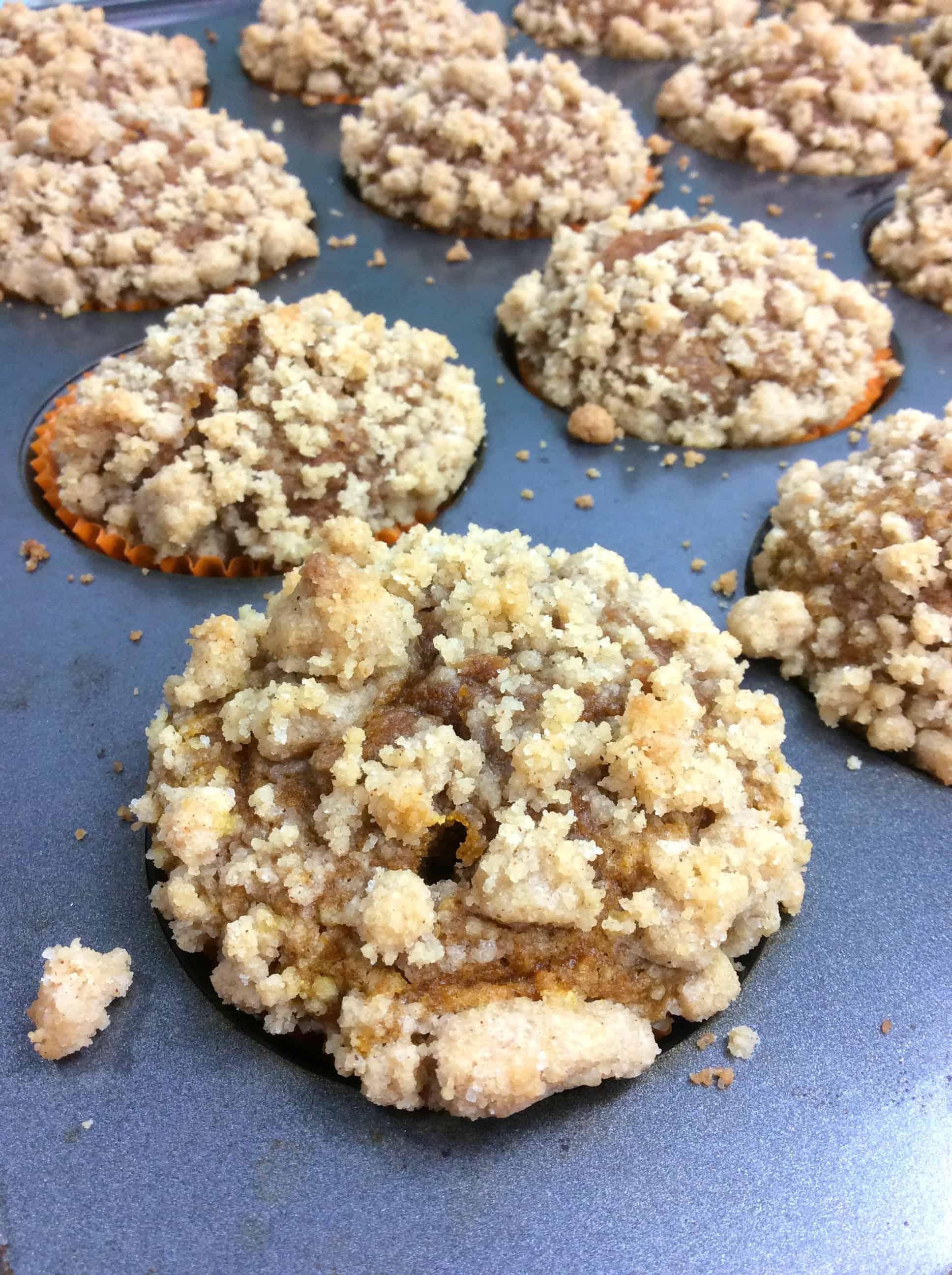 easy pumpkin streusel muffins