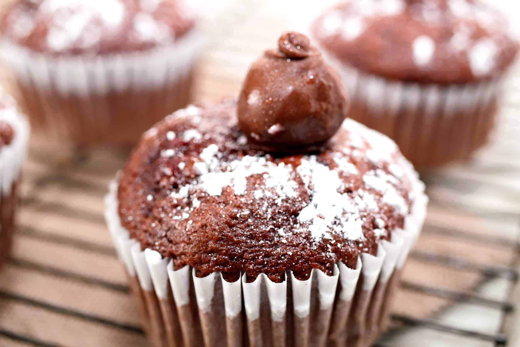 chocolate cherry cake cupcake