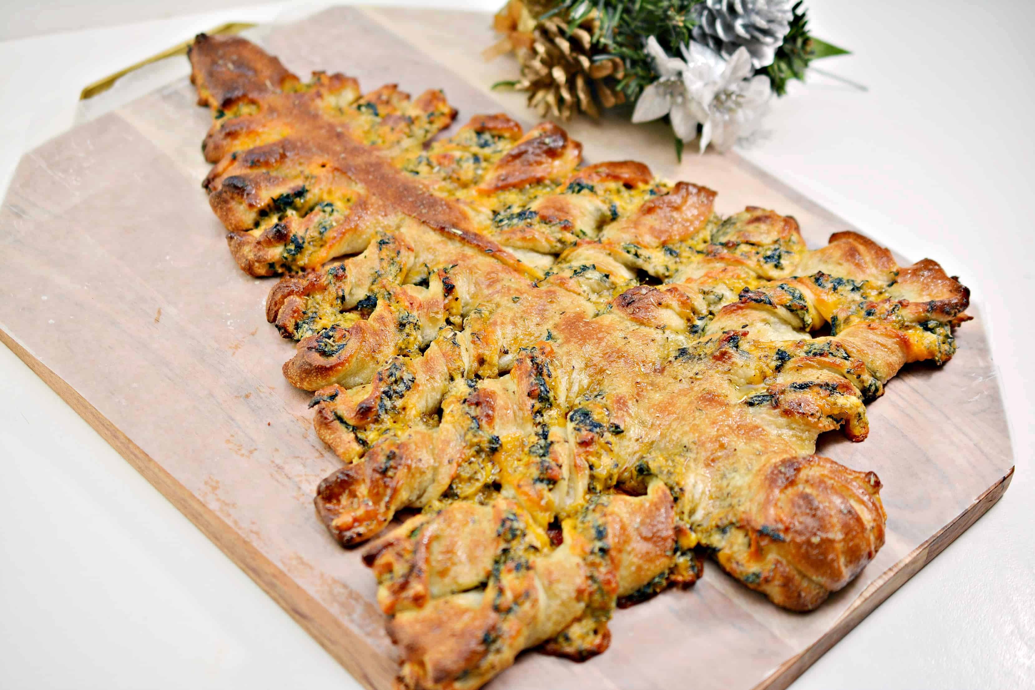 Spinach Dip Christmas Bread Tree