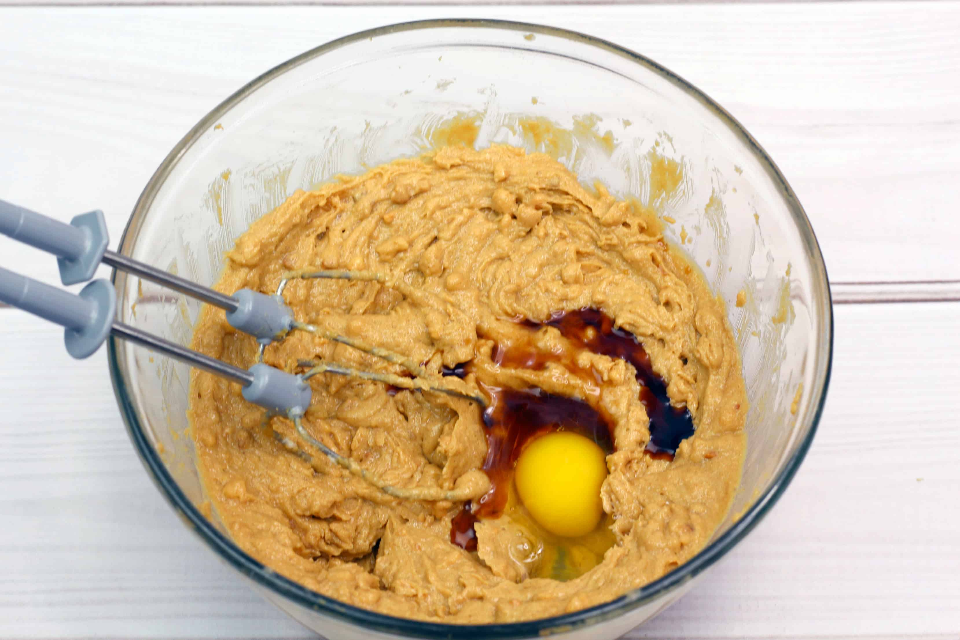 mix together peanut butter and egg