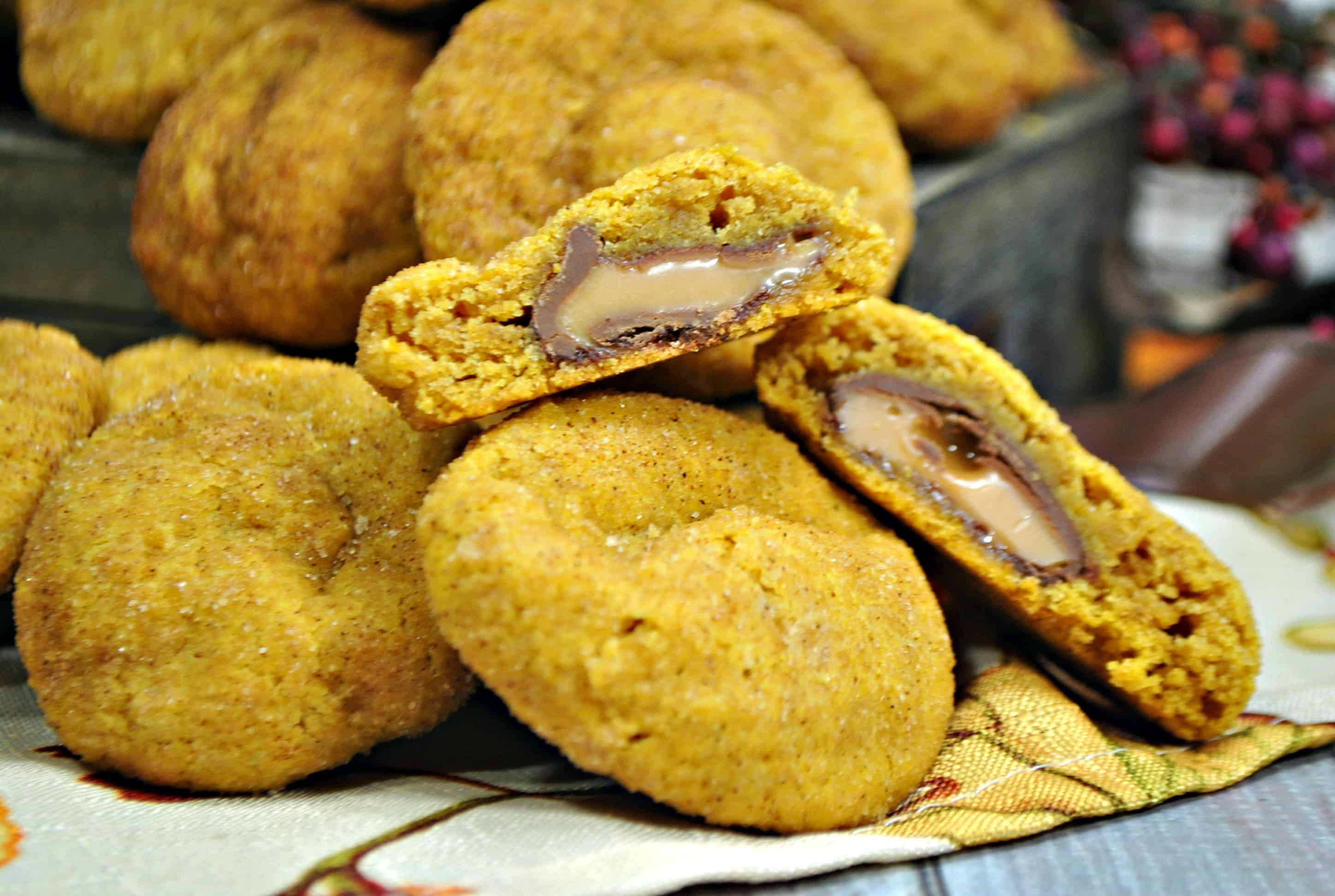 stuffed pumpkin rolo cookies