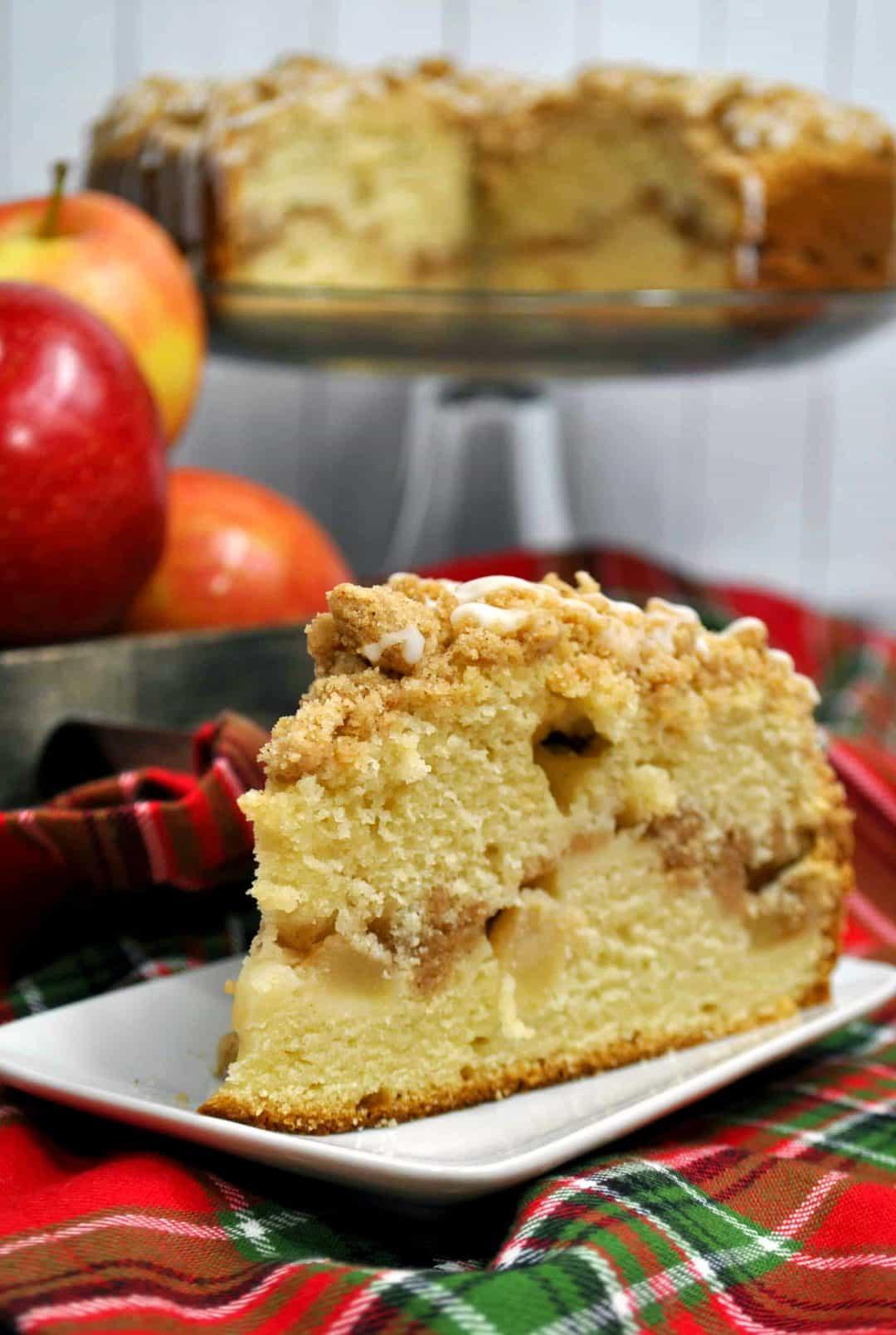 Delicious Apple Crumb Cake Recipe