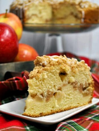 Delicious Apple Crumb Cake Recipe