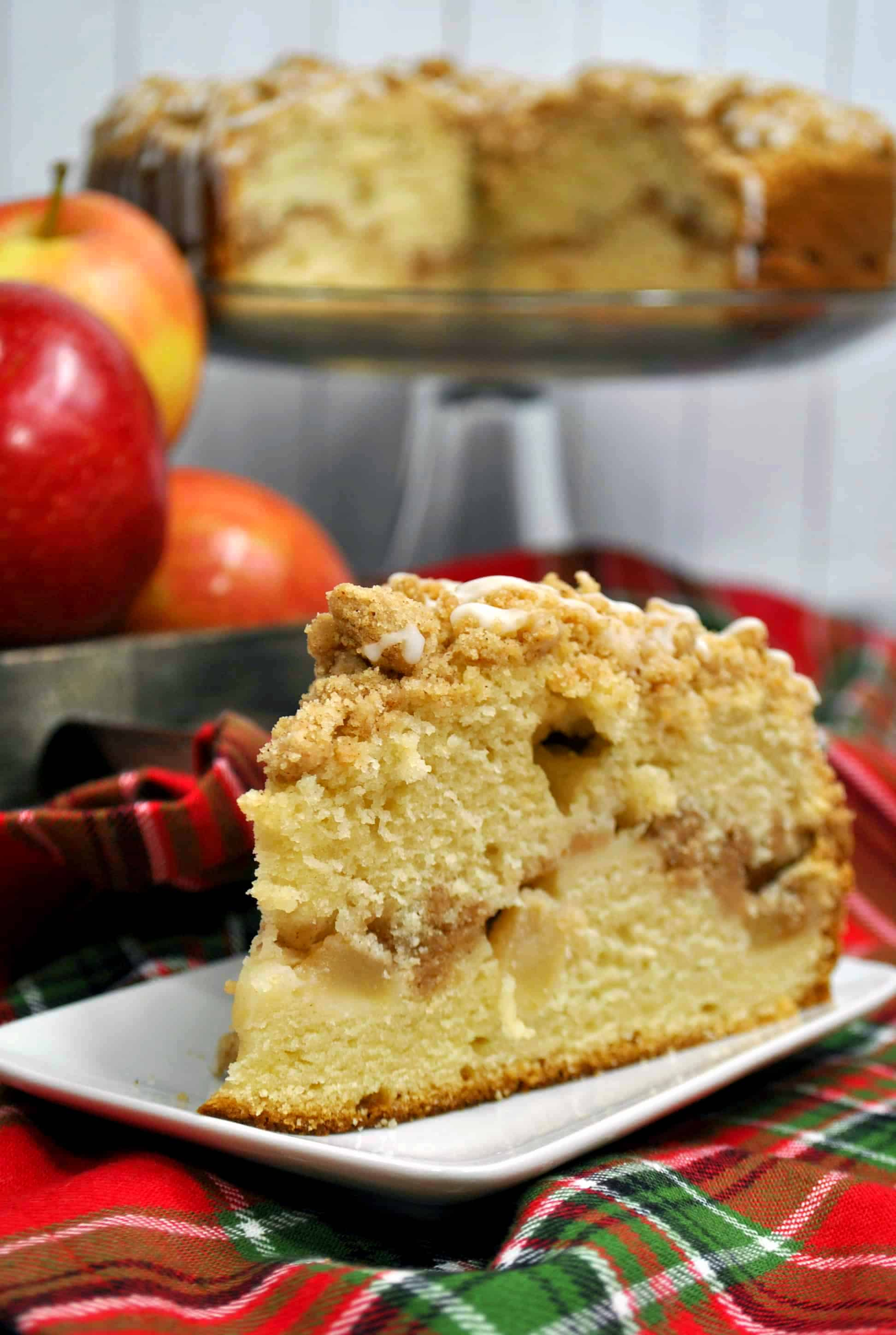 apple crumb cake slice