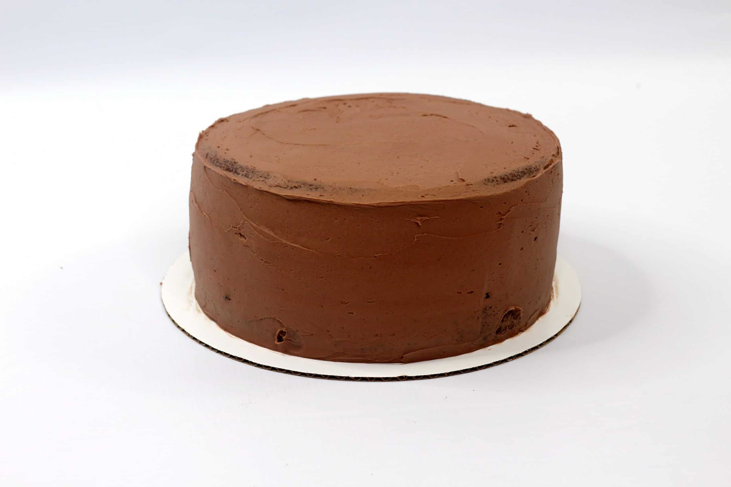 chocolate frosting on hot cocoa cake