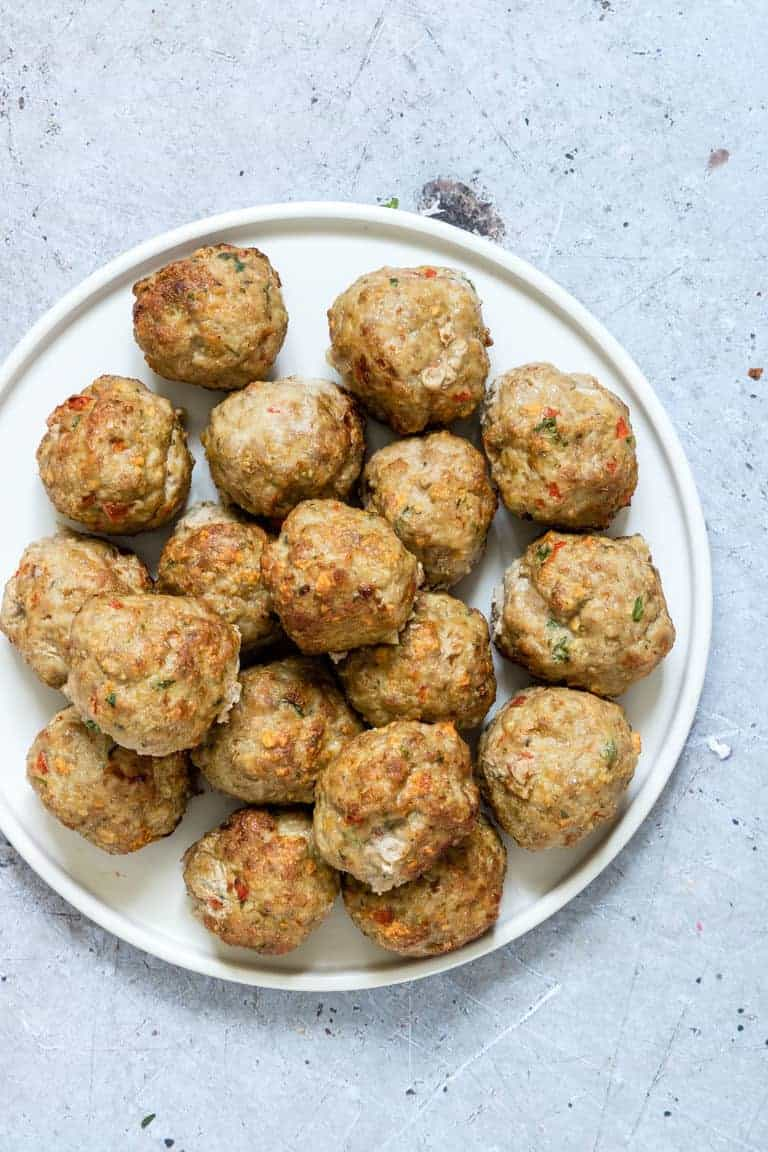close up of turkey meatballs on a plate
