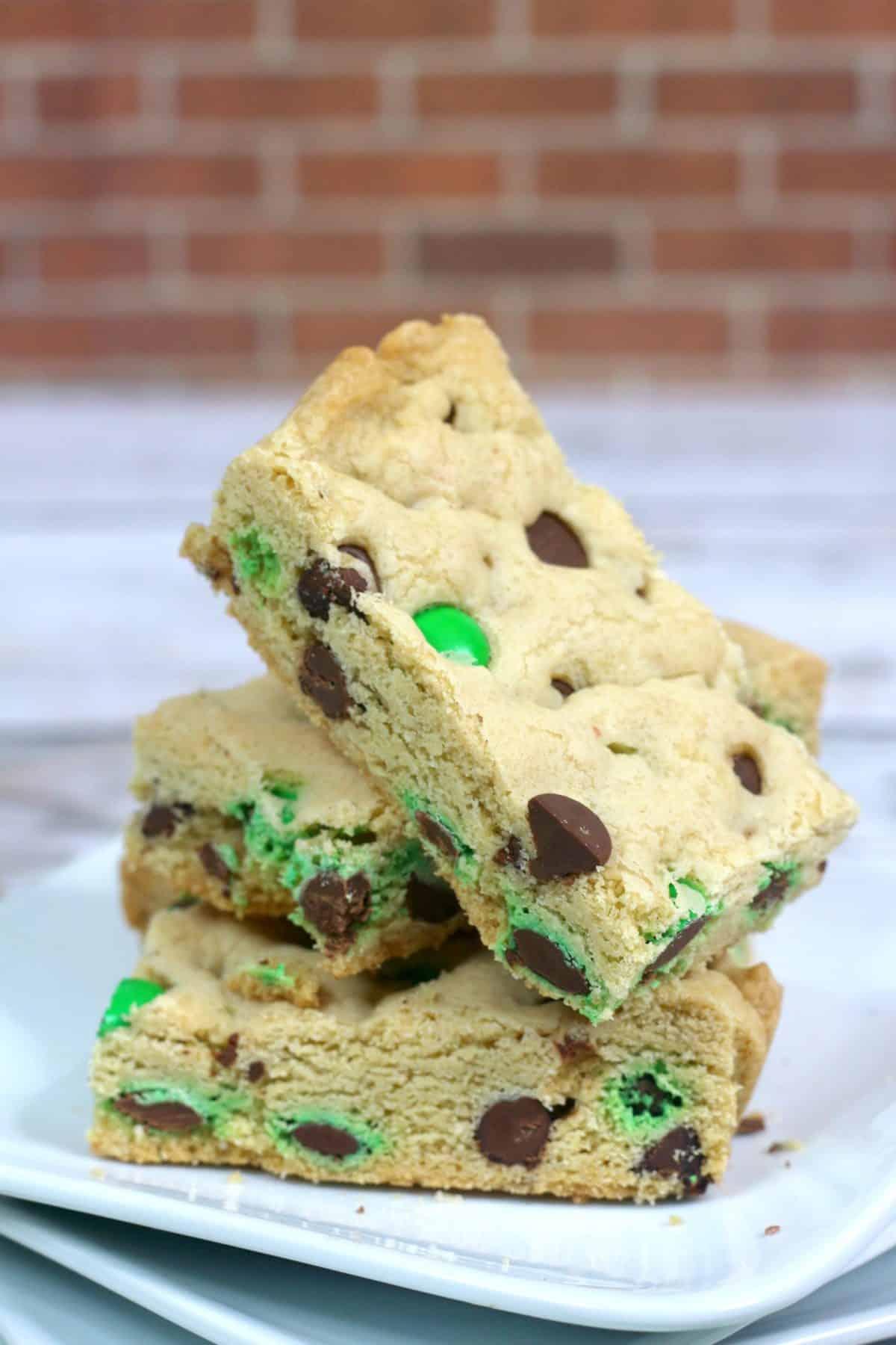 m and m cookie bars, homemade cookie bars