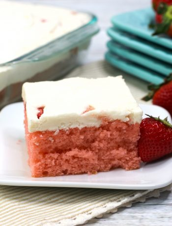 Strawberry Sheet Cake Recipe, easy strawberry sheet cake