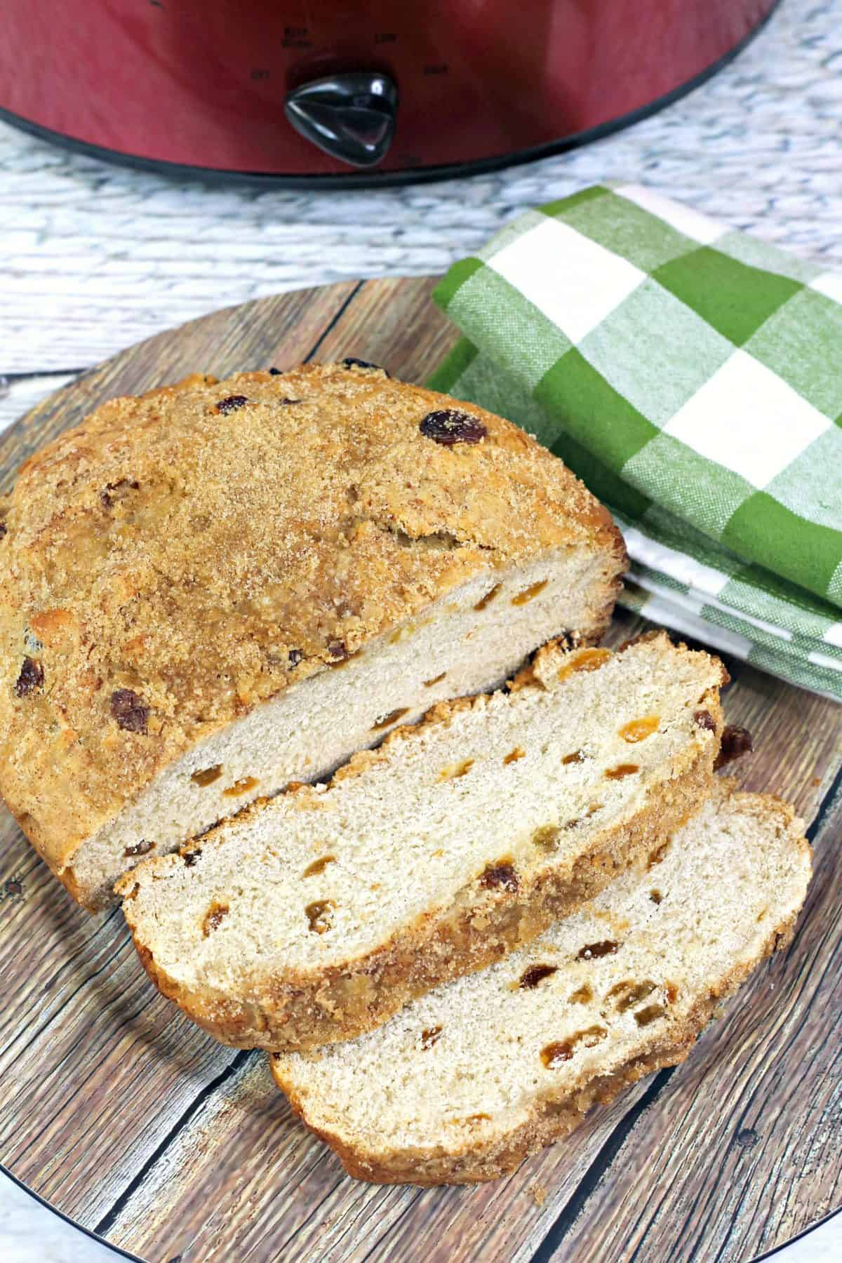 slow cooker quick bread, slow cooker cinnamon raisin bread