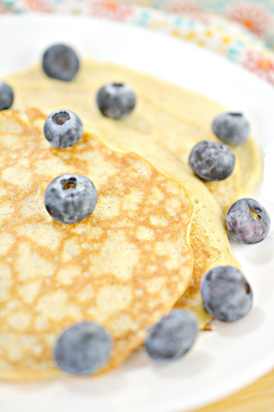 2-Ingredient Cream Cheese Pancakes