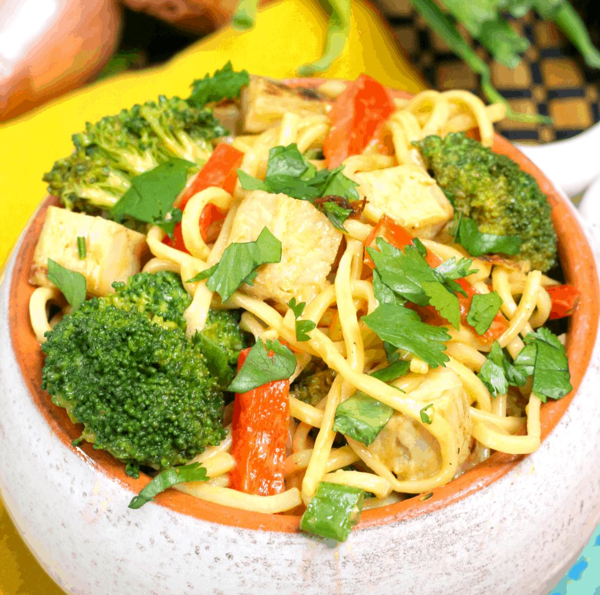 Instant Pot Spicy Thai Chicken Lo Mein