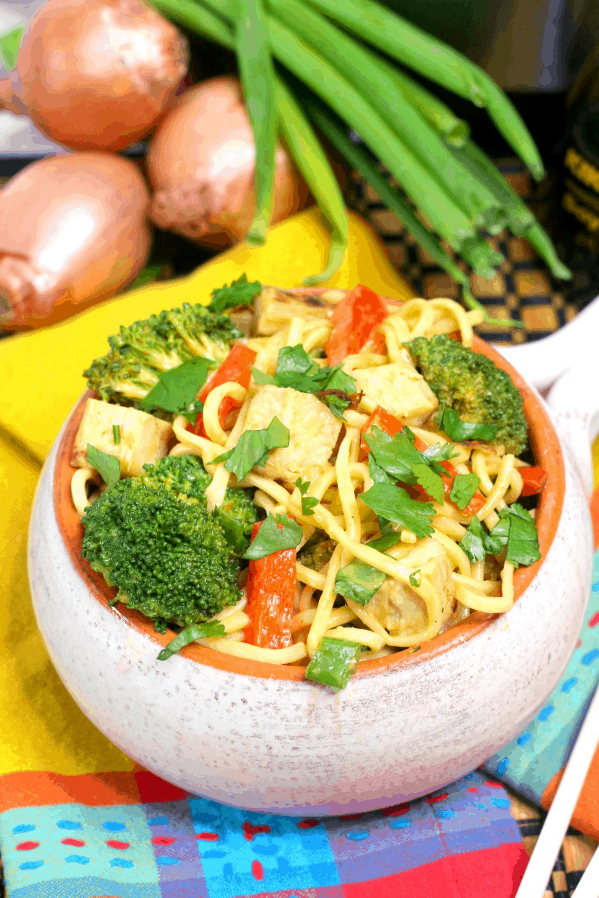 Instant Pot Spicy Thai Chicken Lo Mein, Instant Pot Lo Mein