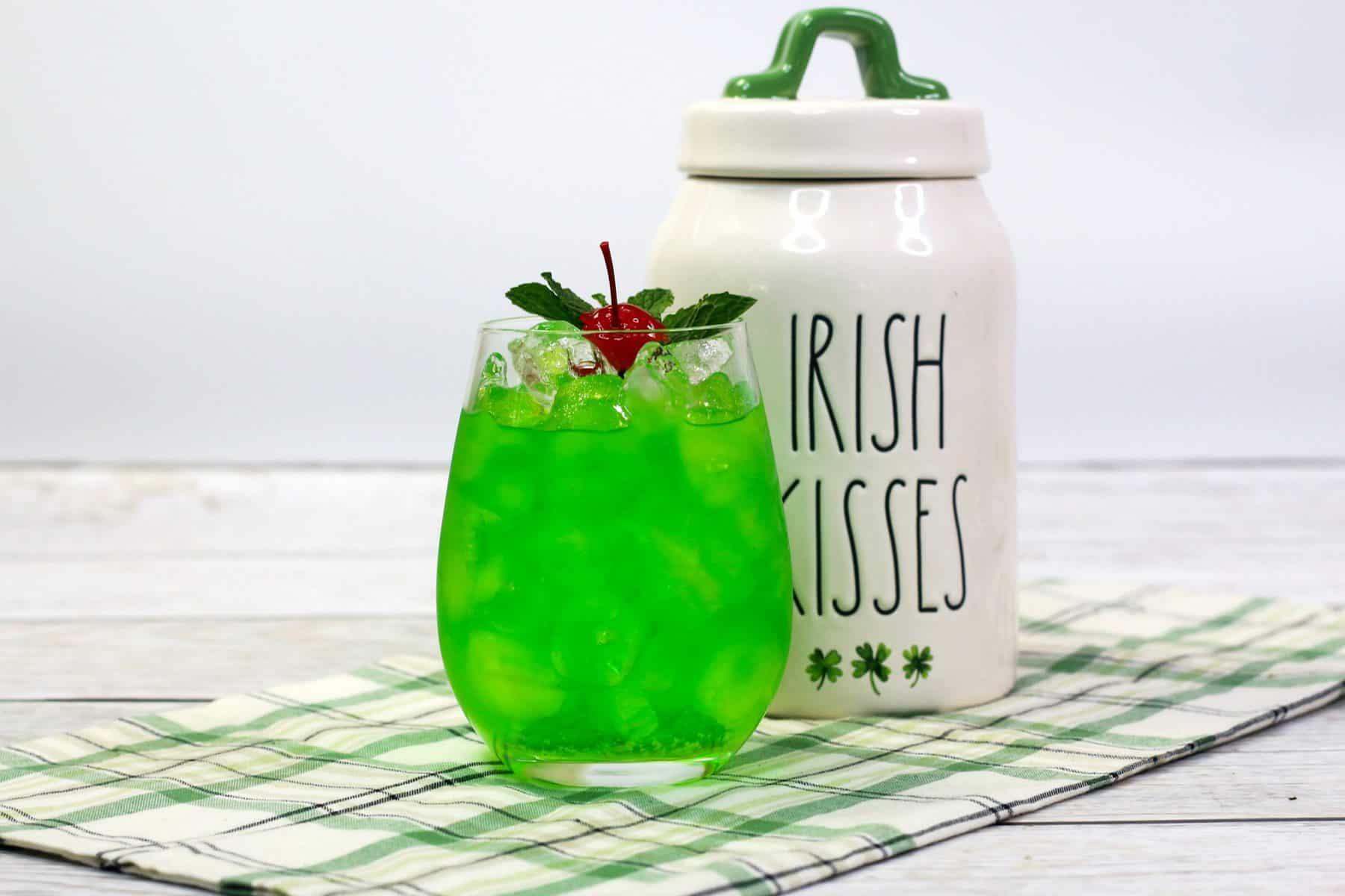 Jameson Whiskey Mixed Drink, Green cocktail recipe