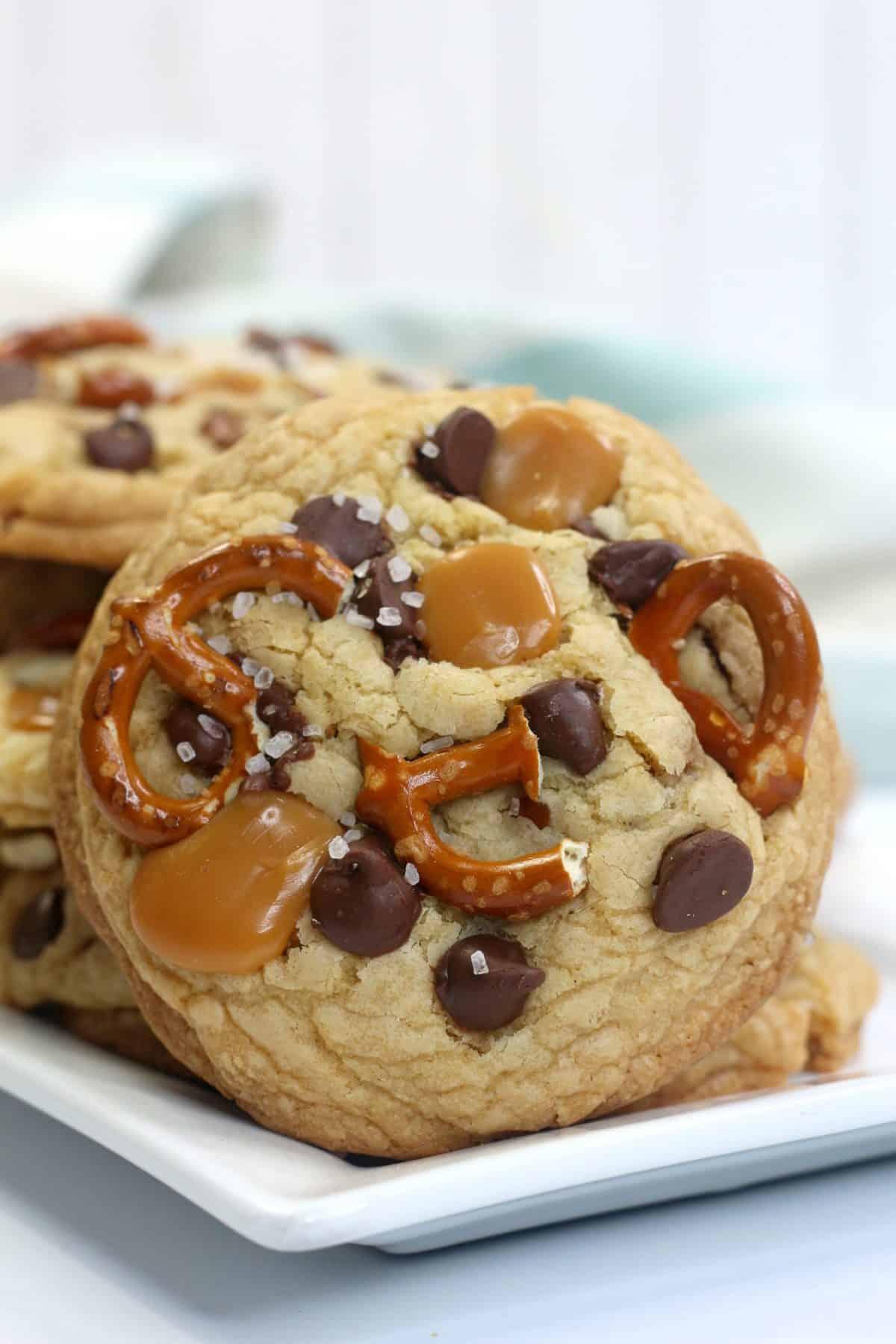 kitchen sink cookies, sweet and salty cookies