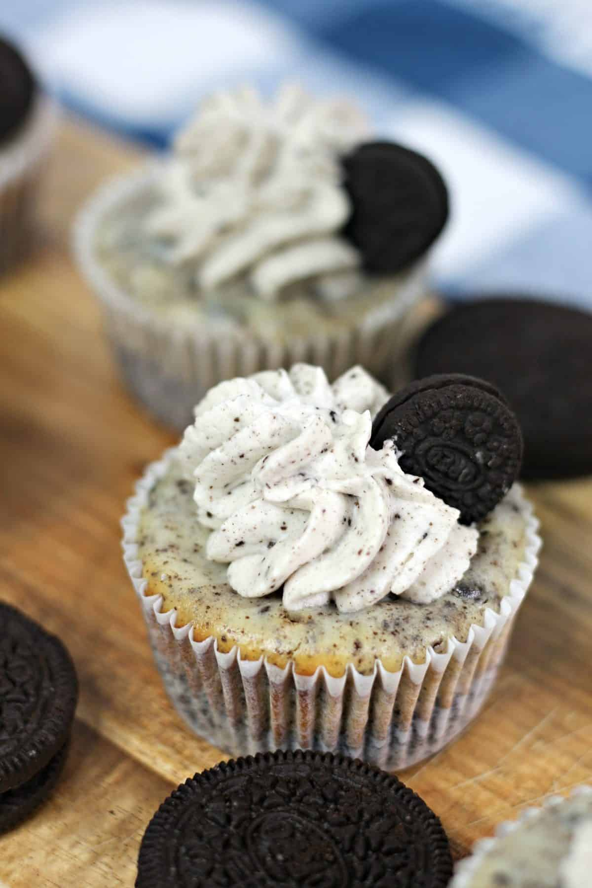 mini oreo cheesecakes, oreo cheesecakes