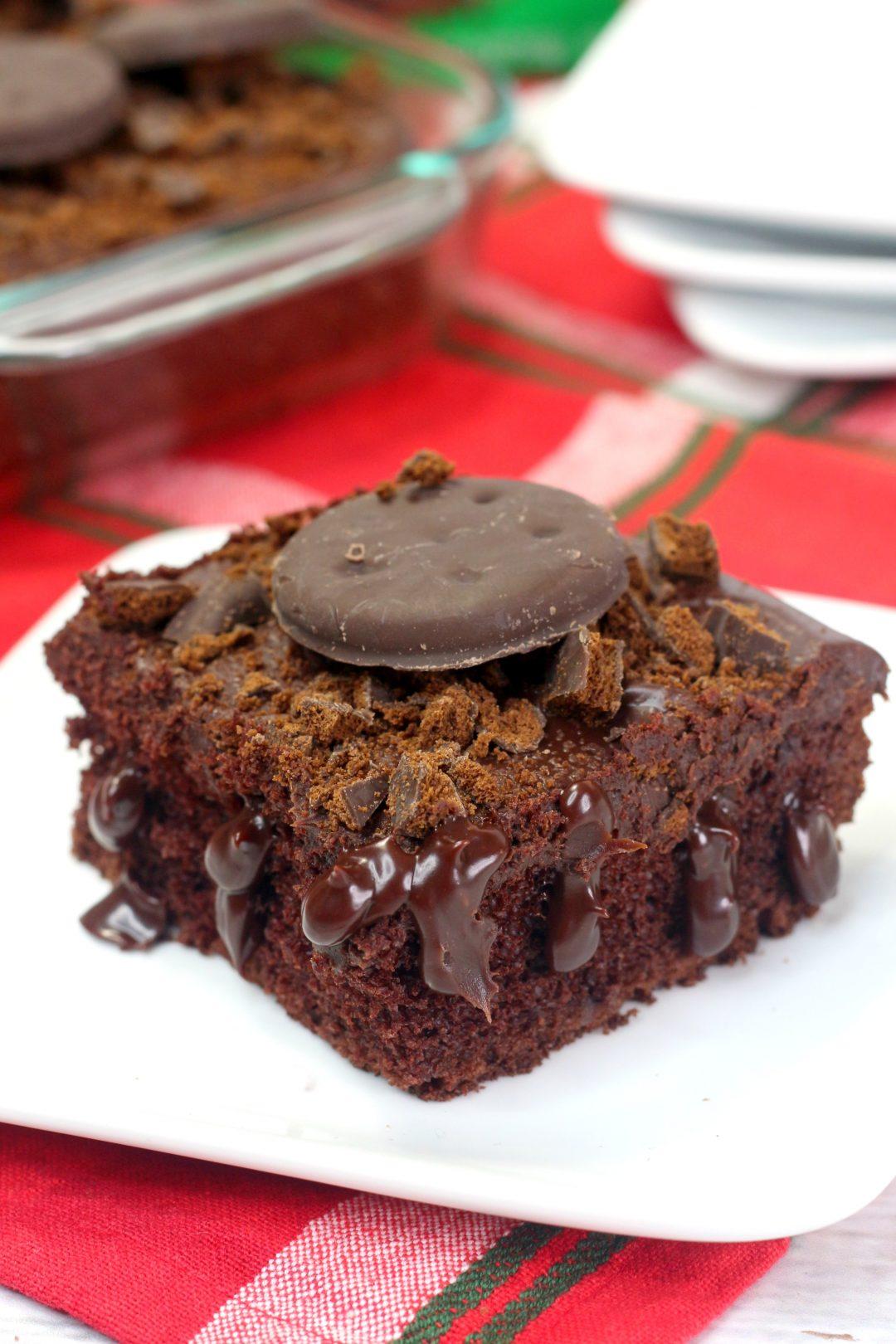 thin mint poke cake, thin mint cake