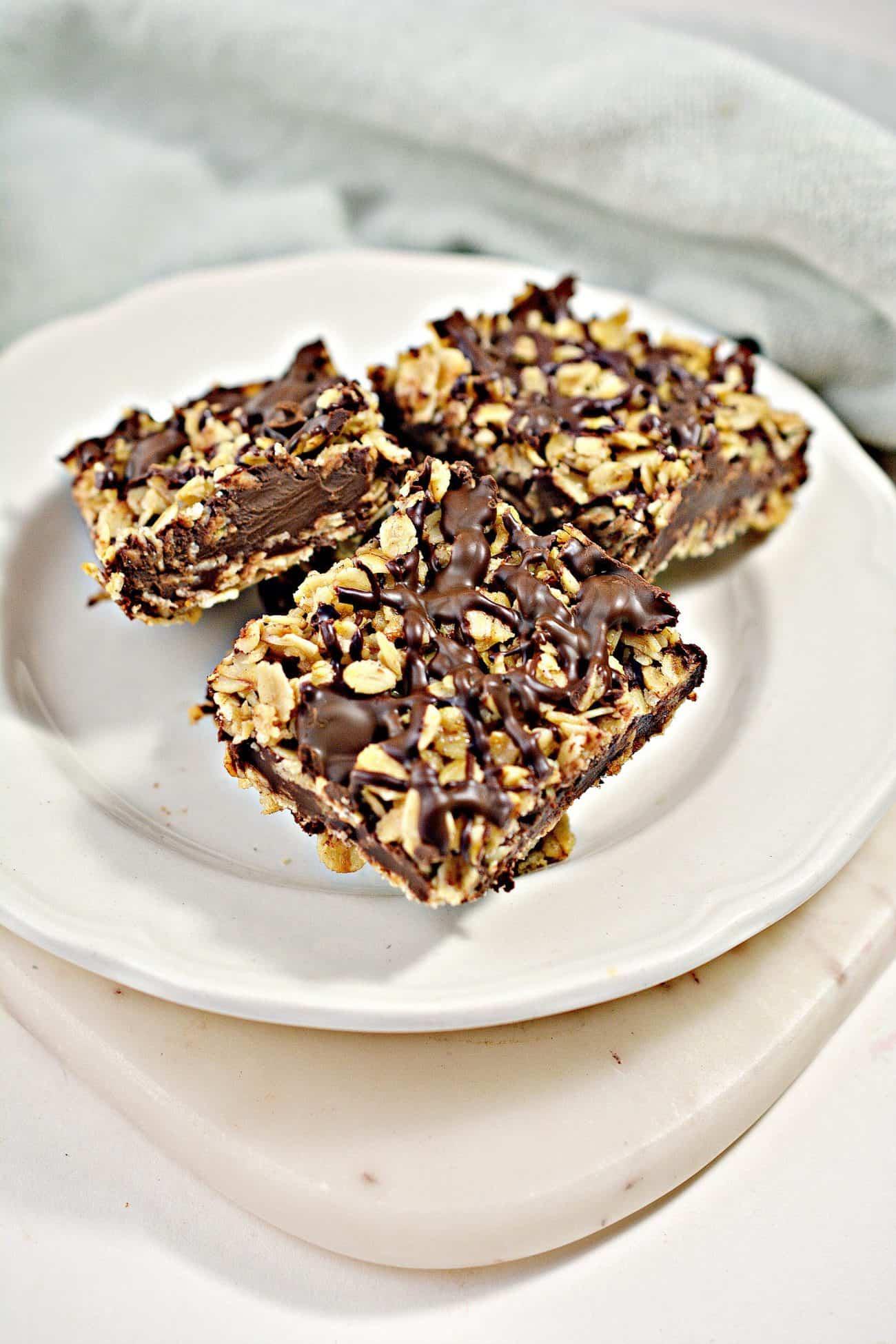 No-Bake Chocolate Oat Bars