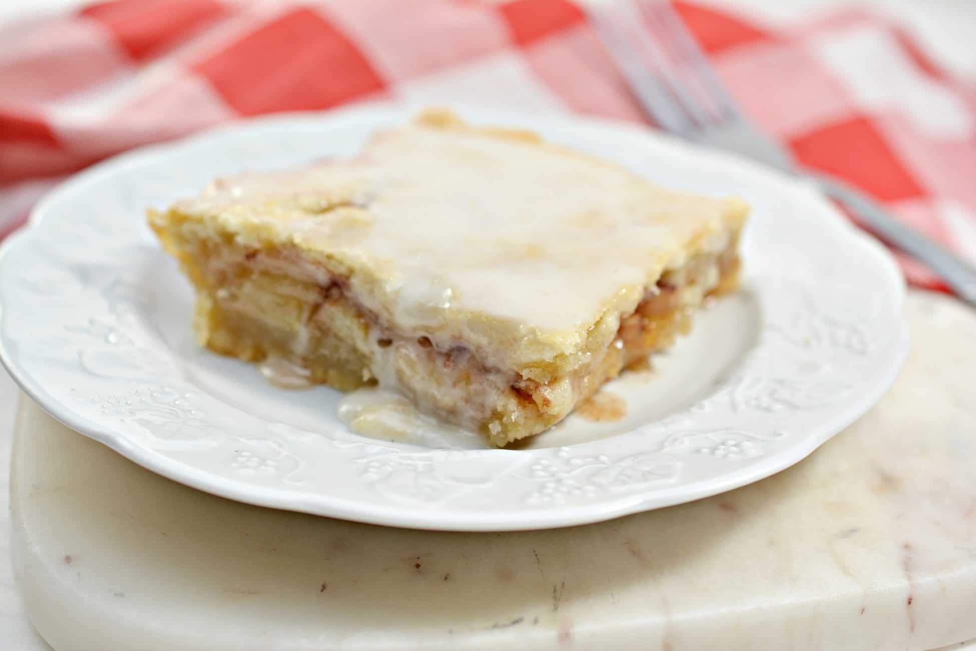Flaky Apple Pie Bars