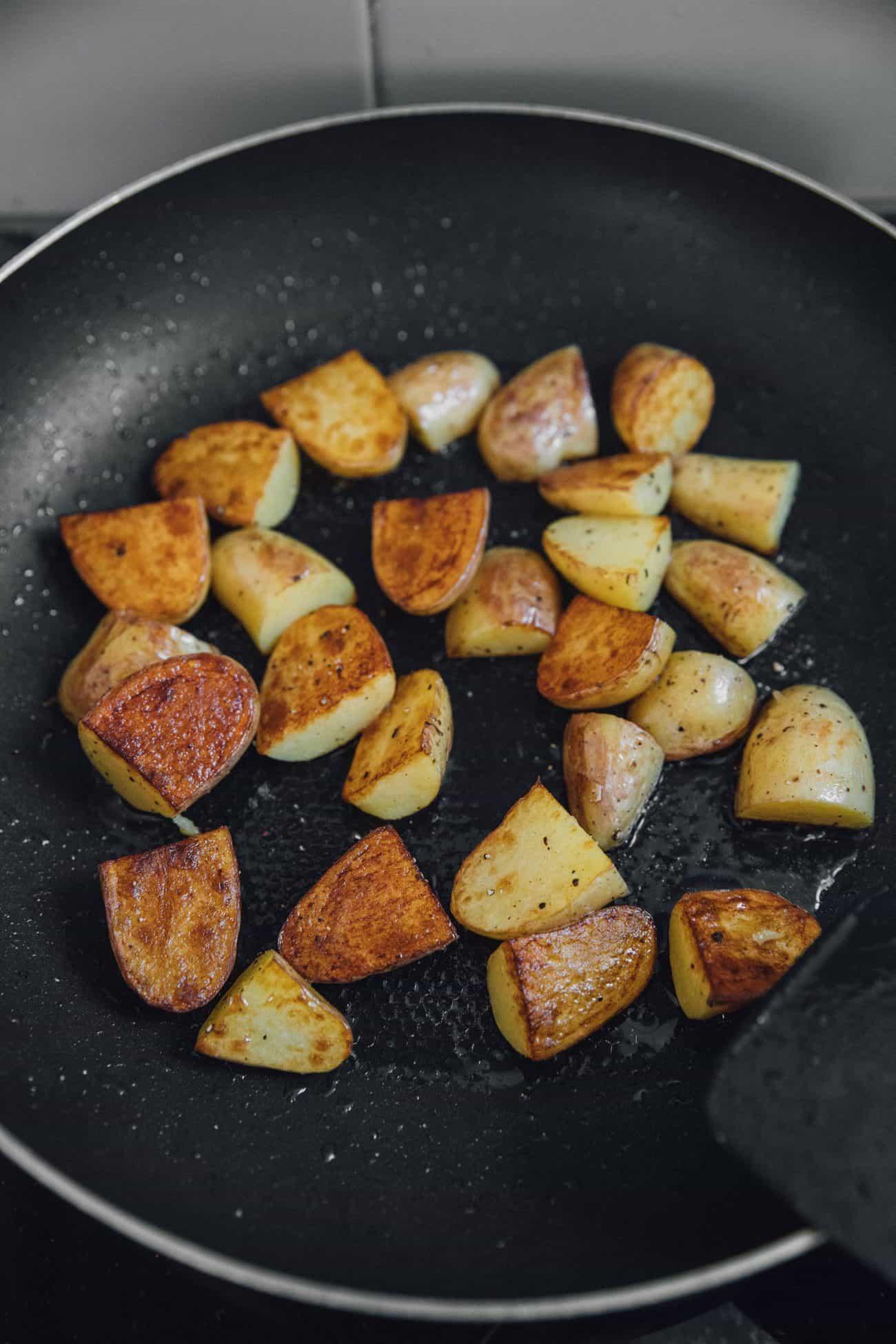 20 Minute Smoked Sausage and Potato Skillet