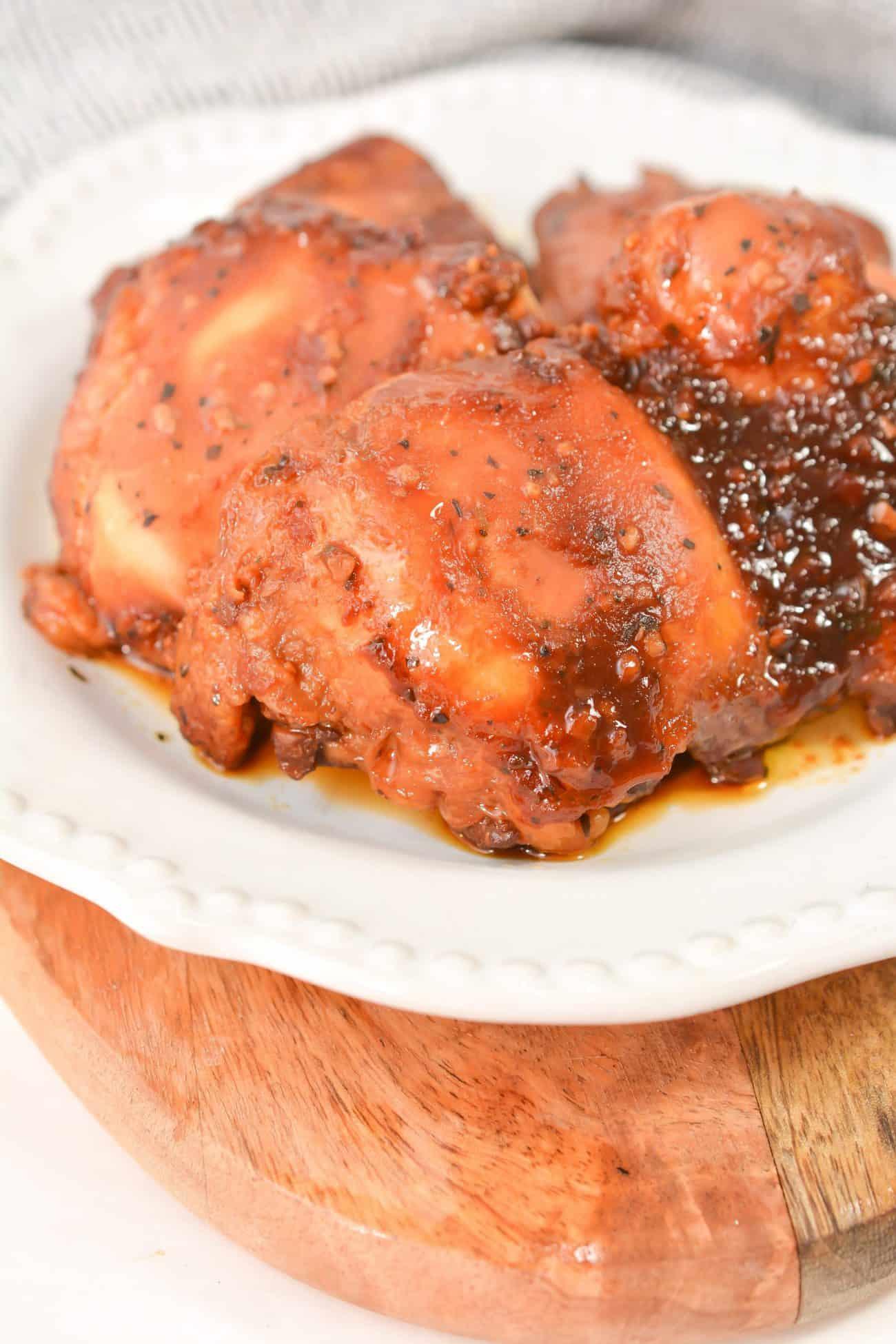 Honey Garlic Slow Cooker Chicken Thighs