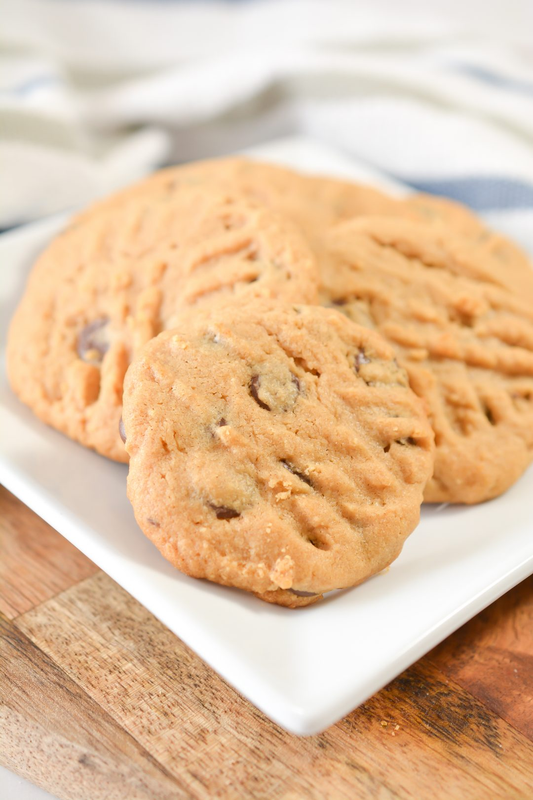 Easy Peanut Butter Chocolate Chip Cookies Recipe