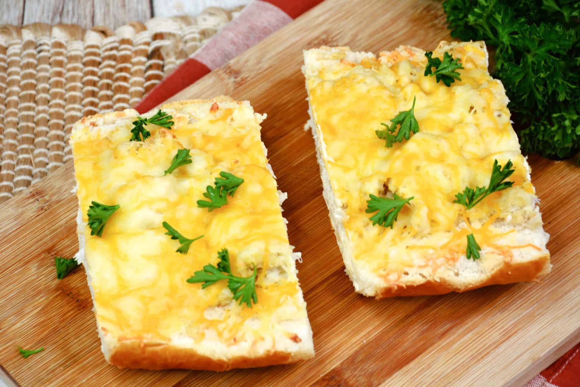 Cracked Crab Cheese Bread