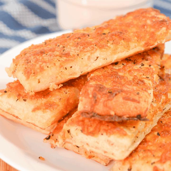 Easy Cheesy Breadsticks
