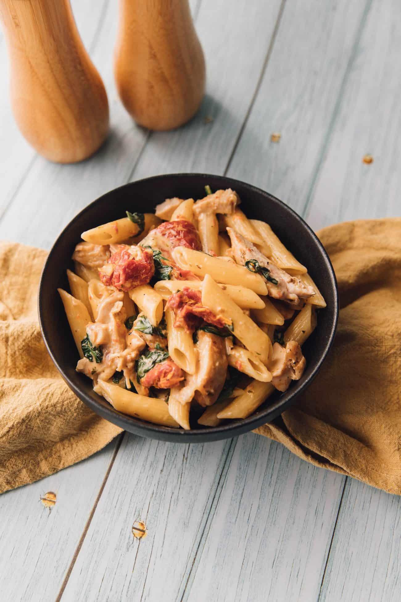 Italian Creamy Tuscan Chicken Pasta