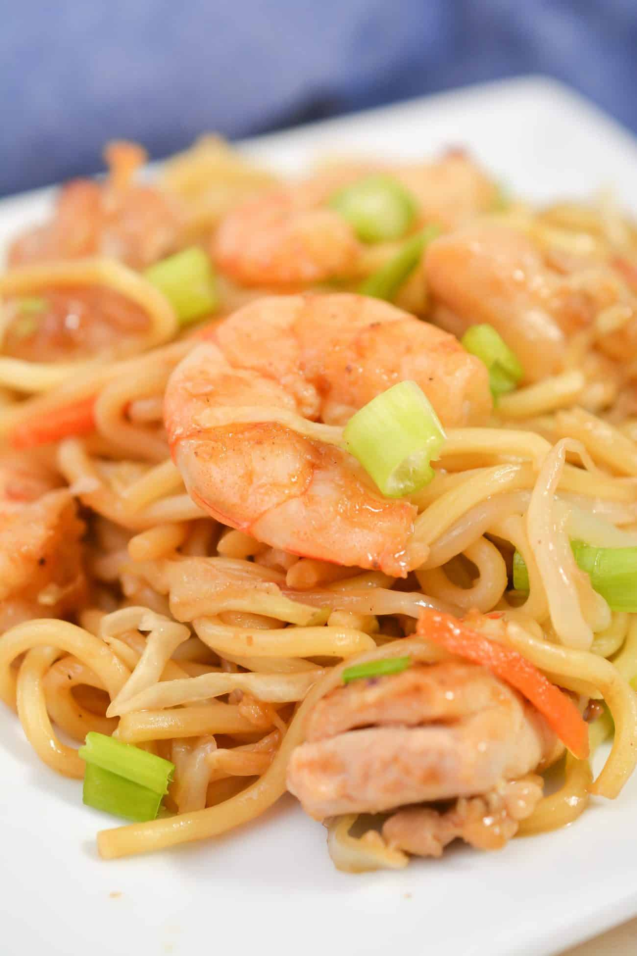 Shrimp and Chicken Chow Mein